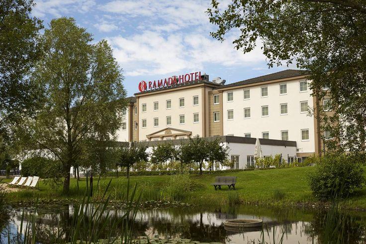 Gartenanlage des H+ Hotel Frankfurt Airport West - Offizielle Hotelseite