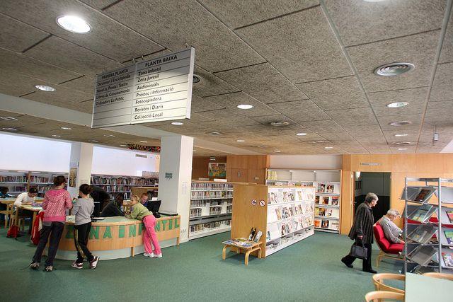 CASSÀ DE LA SELVA. Biblioteca Municipal de Cassà de la Selva. 117 | Flickr: Intercambio de fotos