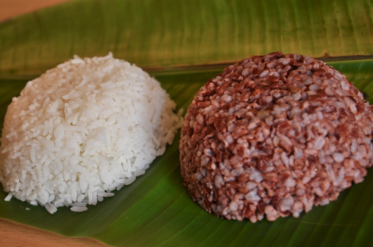 MAIN COURSE – RICE  The Red Rice served in the main course is very rich in fibre and iron, and is a specialty from Sanjeevanam. It tastes great with Dhal, Sambar, Rasam and Morekuzhmbu and is had with the vegetable accompaniments.     White Rice is also served as an option.