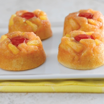 Pineapple Upside-Down Cupcakes  Easy to make and great for individuals cakes to go!!