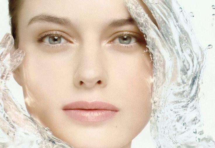 Jarní kosmetické ošetření Základní (60 min.) - povrchové i hloubkové očištění pleti, úprava a obočí, masáž obličeje a dekoltu 15´, maska dle typu pleti, nanesení krému. Cena 550,-