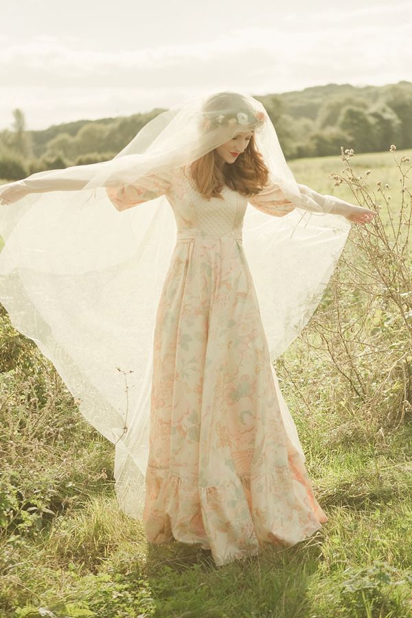 1970s vintage peach floral Annabelinda wedding dress photographs by Rachelle Simoneau
