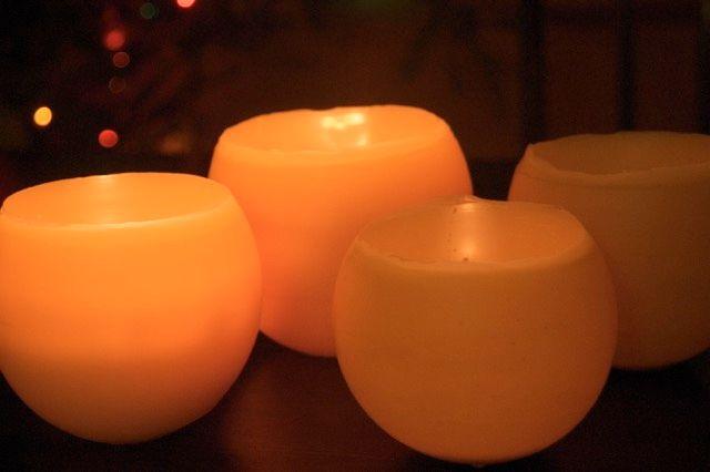 How to make beeswax candle luminaries : : www.lusaorganics.typepad.com : : Clean