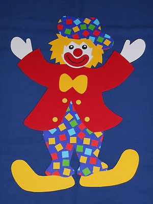 Fensterbild Tonkarton Clown Poldi Rote Jacke Wurfel Karneval
