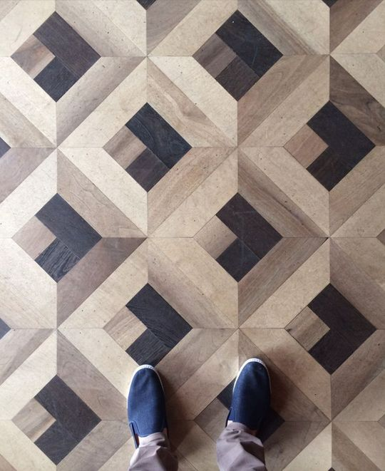 Floors often don't get a lot of love, maybe because most people don't spend a lot of time looking at their feet. But the floors in these 15 rooms are so attractive, so attention-getting, that it's hard to imagine looking anywhere else.