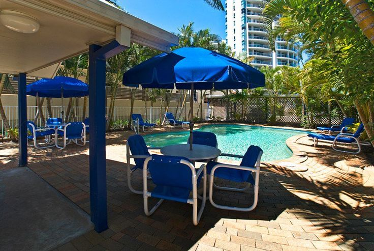 I Love Schoolies - Budds Beach Apartments - Surfers Paradise Schoolies Accommodation