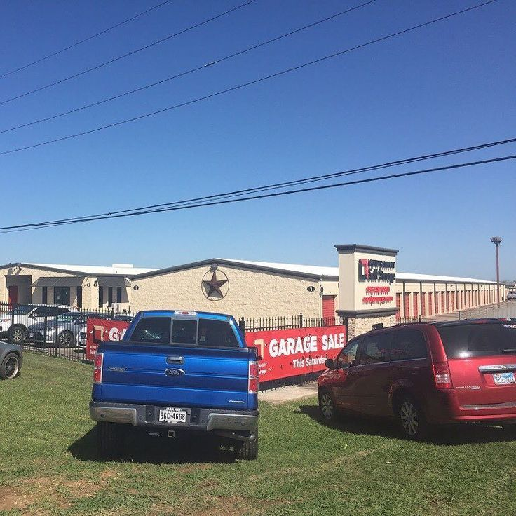 Cars & tracks lined up and ready for our HUGE Garage Sale today 7am-2pm at our Montgomery HWY 105 West location! Customers are opening their storage units for this Garage Sale. Wide variety of items not to be missed! Montgomery Self Storage 19678 Hwy 105 West Montgomery Texas 77356 (936) 582-6900 . . . . . #selfstorage #storage #garagesale #yardsale #conroe #montgomery #montgomeryselfstorage #conroetx