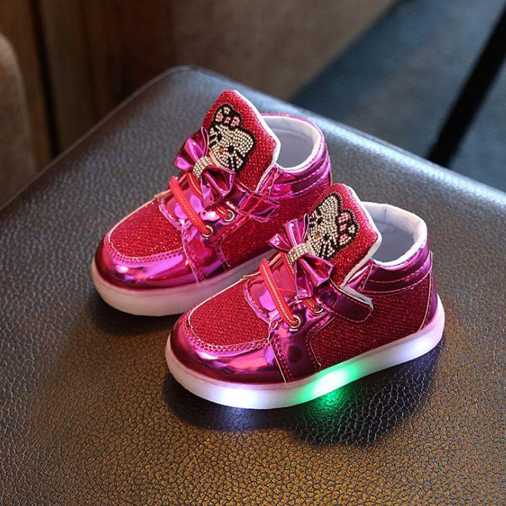New Winter Children Luminous Boots Girls Princess Plush Shoes Keep Warm Baby Kids Toddler Shoes LED Flash Light Running Shoes