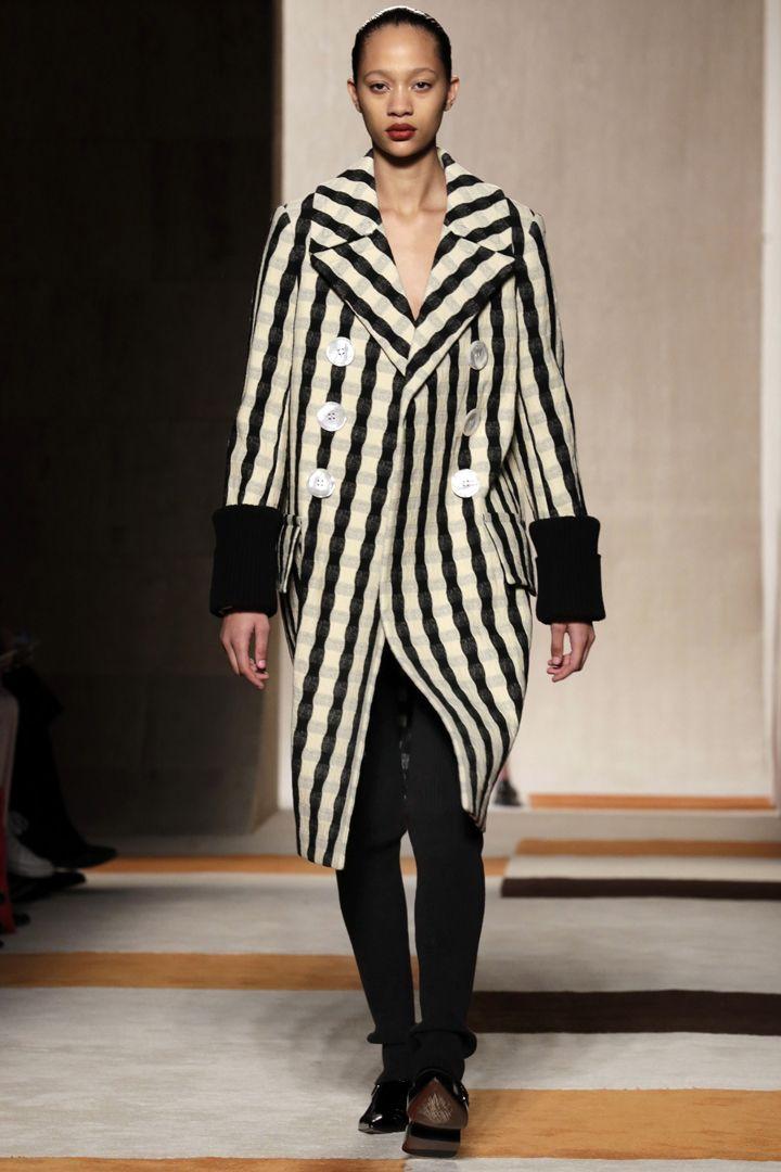 Victoria Beckham y Ralph Lauren en la NYFW  http://stylelovely.com/galeria/ralph-lauren-y-victoria-beckham-en-la-nyfw/