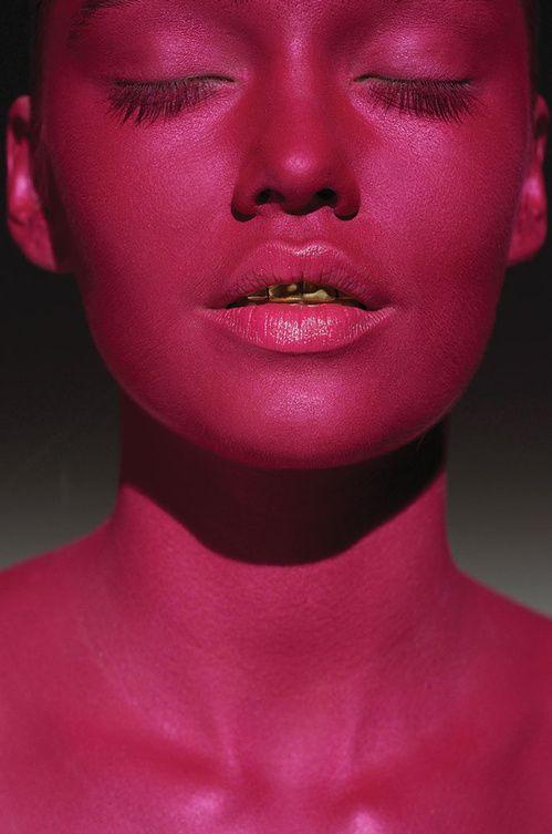 L'expo photo beauté du makeup artist Ellis Faas http://www.vogue.fr/beaute/tendances-d-ailleurs/diaporama/lexpo-photo-beaut-du-makeup-artist-ellis-faas/19705