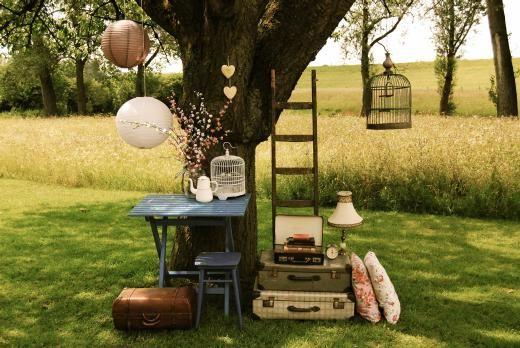 Aanbieding van Happy Vintage Verhuur voor jullie! - Pinterested @ http://wedspiration.com.