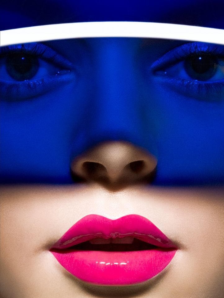 Perfect lip contour.