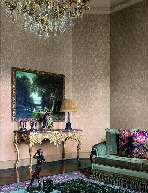 Certosa: Our silken damasks are the embodiment of elegance.