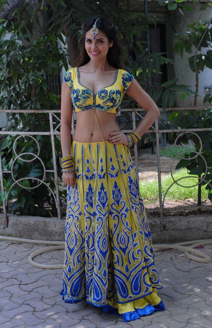 Esha Gupta seen promoting 'Humshakals' on a TV show. #Style #Bollywood #Fashion #Beauty