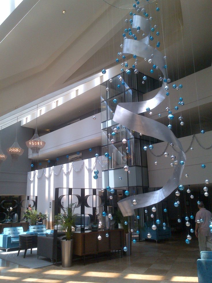 Lagoon Beach Hotel's awesome invisible Christmas Tree!