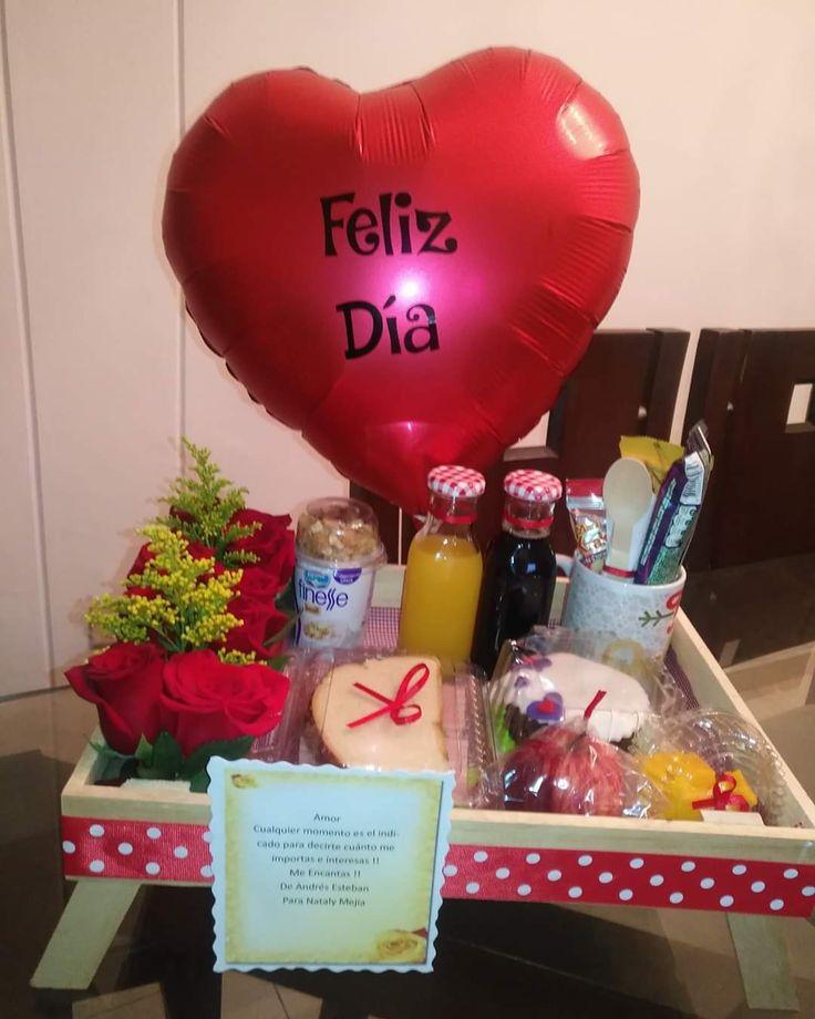 Surprise Boyfriend, Boyfriend Gifts, Ideas Desayunos, Breakfast Basket, Romantic Things, Diy Crafts For Gifts, Ideas Para Fiestas, Balloon Bouquet, Hamper