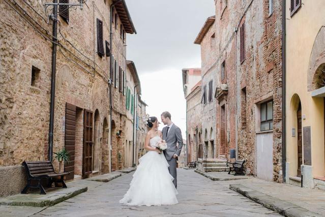 Credit: Alexandra Vonk Photography - straat (verharde weg), architectuur, stad, reizen, town, Gotisch, gebouw, kerkgebouw, oud, huis