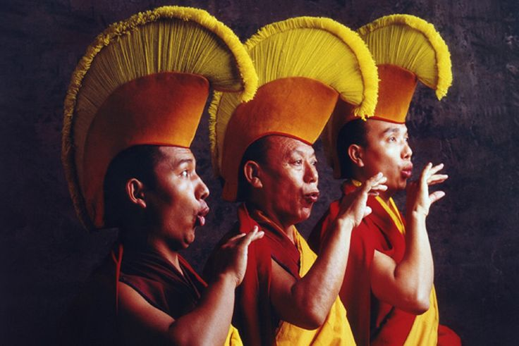 """ЛУЧИ - символическое изображение ауры просветлённого человека. СМ. КАРТИНКУ http://www.proza.ru/2015/11/28/1046 . Т. е. """"Ной"""" был Святым прозорливцем провидцем пророком и праведником. Очень похожие на этот знак шапки есть у тибетских лам - данный стиль-форма это имитация ауры - символ высокого духа и чистого сознания. И такая шапка имитирует (символизирует) лучи-свечение исходящие из головы святого (ПРОСВЕТЛЁННОГО) """"друга неба""""."""
