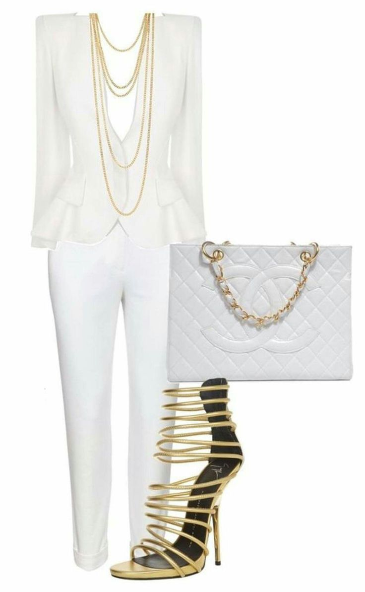 I love this blazer and the necklace!!!