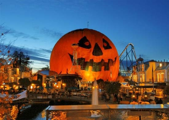 Big pumpkin head standing at the entrance: Europa Park, Rust,Germany