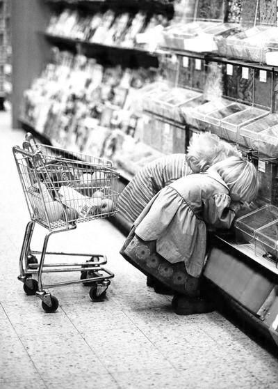 in the past . Snoepjes kopen bij de snoepwinkel