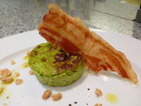 Flan di broccoli e nocciole, pancetta croccante