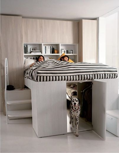 Foto: Nel soppalco matrimoniale Container c'è posto per tutto... E per tutti. :-)