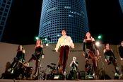 http://www.pearl-music.co.il/auto/events/2/27/text.ru.html?main В праздник Шавуот в амфитеатре на крыше Азриэли 4.06.2014 (20.30) Magic of Ireland – Магия загадочной Ирландии  Экзотическое шоу ирландской музыки и танца. Незабываемый праздник ирландской и шотландской музыки. Яркие костюмы, зажигательные танцы, традиционный и популярный фольклор.