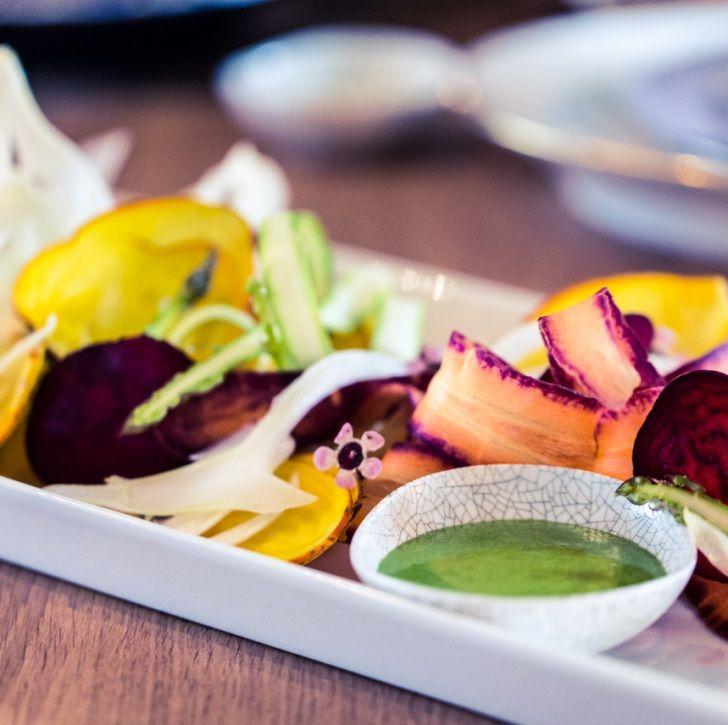 Grøntsags crudite med persille mayo