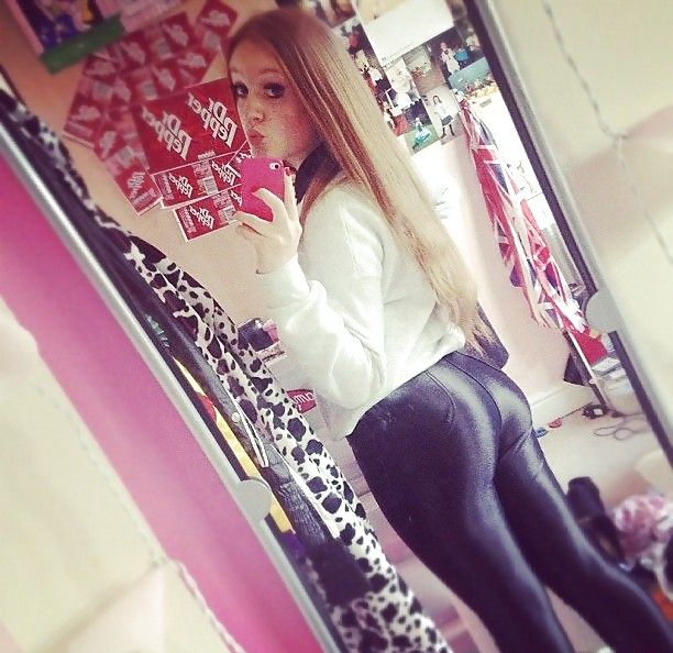 girls ass in shiny leggings photos - Yahoo Image Search Results
