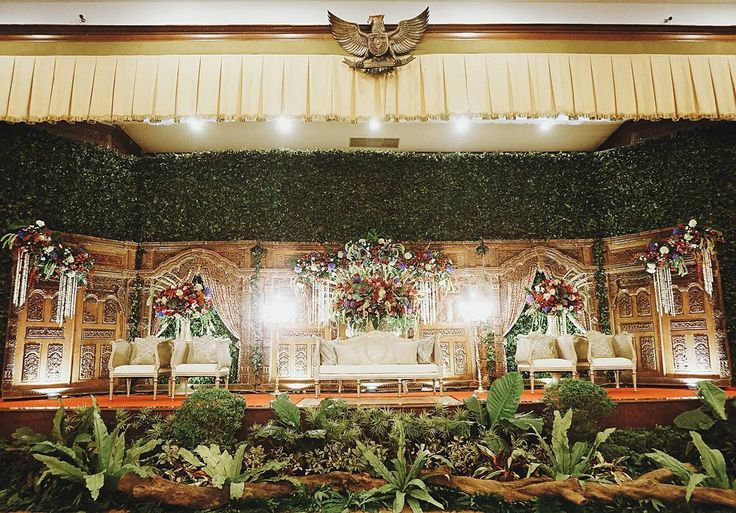 "36 Likes, 1 Comments - Event & Wedding Decor Jakarta (@sentrabunga) on Instagram: ""Putri @putrimaharani29 & Rangga @ranggaph Modern Javanese garden-inspired wedding.  Organized by…"""