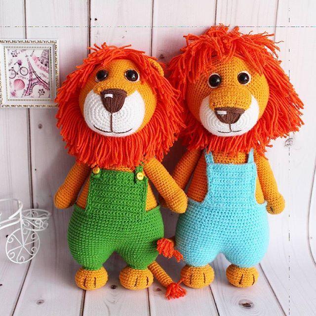 Два брата 😀 Связаны по мк М. Устюшкиной Ниточки - полухлопок,  Наполнитель -гипоаллергенный 💜💜💜 #crochet #handmadetoy #toy #cute #вязаниеназаказ #кукларучнойработы #детскиеигрушки #интерьернаякукла #вязаниедетям  #вяжутнетолькобабушки #вяжуипродаю  #knitting #knittersoftheworld#amigurumi #амигуруми - #вязаниедетям #knitting #knitting_inspiration  #игрушкиручнойработы #тюмень #сынок #доченька #дети #инстадети#подарок #чтоподарить#вязаниекрючком #вязаныеигрушки #жираф #лев #тюмень…