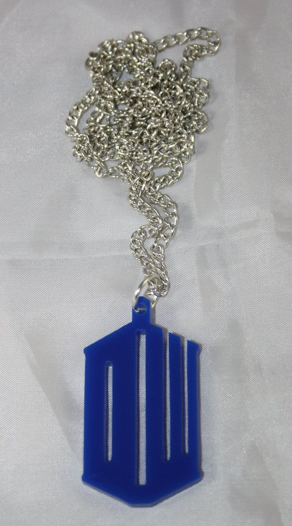 Necklace ispired by TARDIS from Doctor Who serie