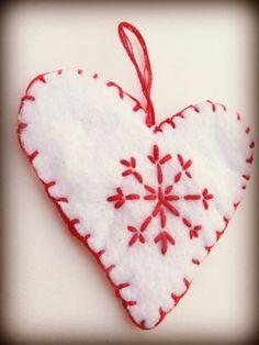 DIY Ornaments: Felt Hearts