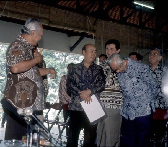 Kedekatan Liem Sioe Liong dengan Soeharto