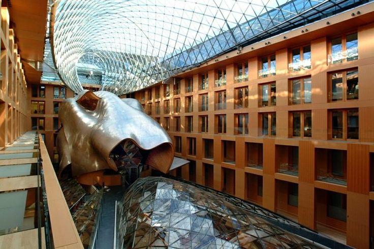 architecture moderne - le siège de DZ Bank à Berlin par Frank Gerhy