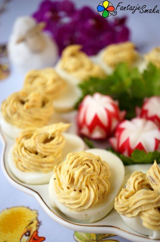 Jajka faszerowane pastą z makreli w sosie musztardowym z chrzanem http://fantazjesmaku.weebly.com/blog-kulinarny/jajka-faszerowane-pasta-z-makreli-w-sosie-musztardowym-z-chrzanem