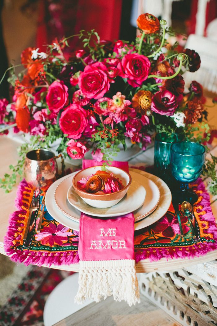 Mi amor: colorful, jewel toned table setting. Perfection.