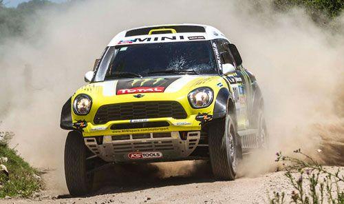 El Dakar 2015 comenzará y finalizará en Buenos Aires | QuintaMarcha.com El diario 'Marca' ha adelantado que el Dakar 2015 tendrá Buenos Aires (Argentina) como punto de salida y también de llegada. El recorrido se presentará oficialmente este miércoles en París. Mini y Peugeot lucharán por la victoria en coches.