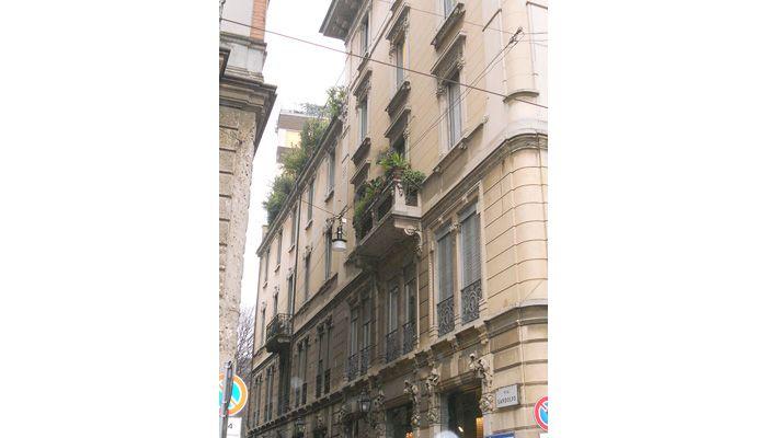 Bilocale in contesto d'epoca - Via Ponte Vetero, Milano www.rossomattone.eu