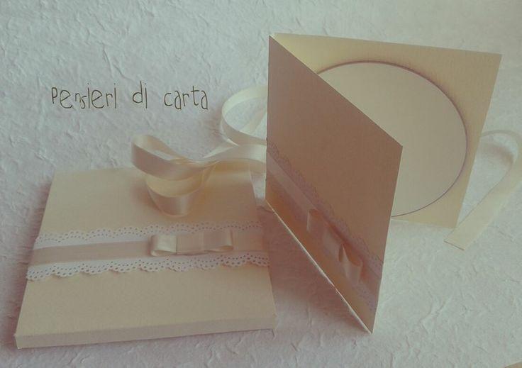 ...scatola,portavd,anello di chiusura......tutto fatto a mano!!!!!!!!!!!!!