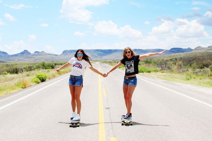Friend Instagram picture ideas, skateboarding, urban outfitters, road trip with friends, adventure