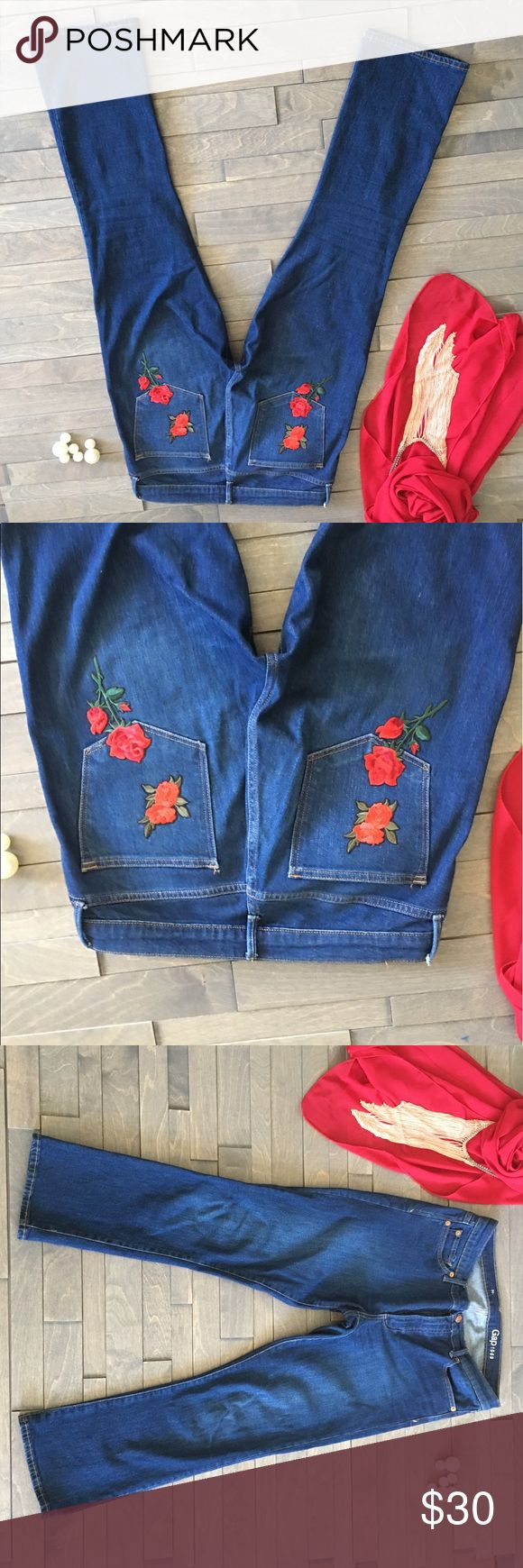 Gap jean denim with Embroidered roses 🌹 Good design GAP Jeans Boot Cut