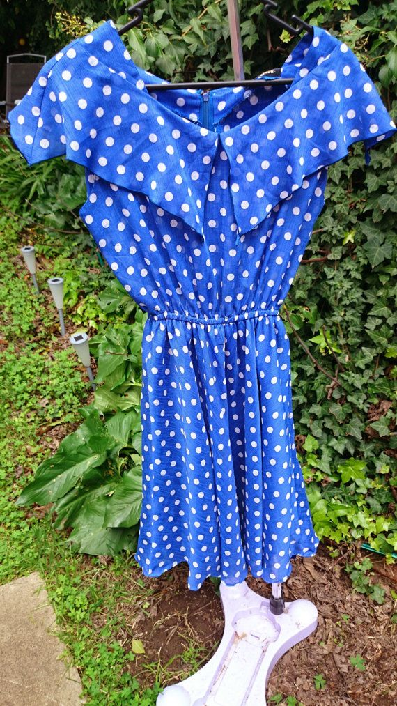 Hey, I found this really awesome Etsy listing at https://www.etsy.com/listing/198811574/vintage-polka-dot-picnic-dress