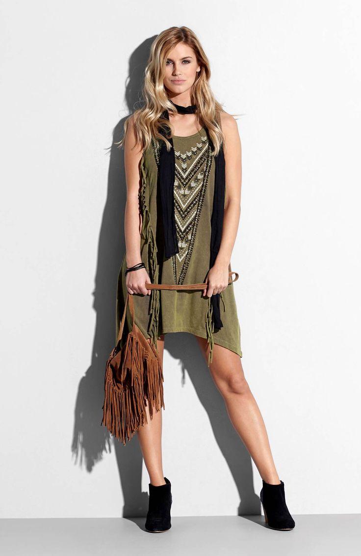 Sukienka marki TrulyMine, http://www.halens.pl/moda-damska-rozmiary-specjalne-na-gore-5828/sukienka-lisa-556215?imageId=393881&variantId=556215-0029