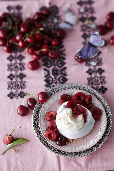 Kirchen: Interior, Wedding Lilac Red White, Dolci Sweets, Cherries Jubilee, Food Styling, Juicy Reds