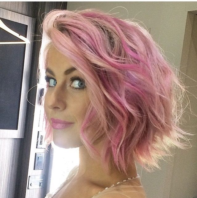 Yes I have pink hair, it's pastel ombré ! I love it