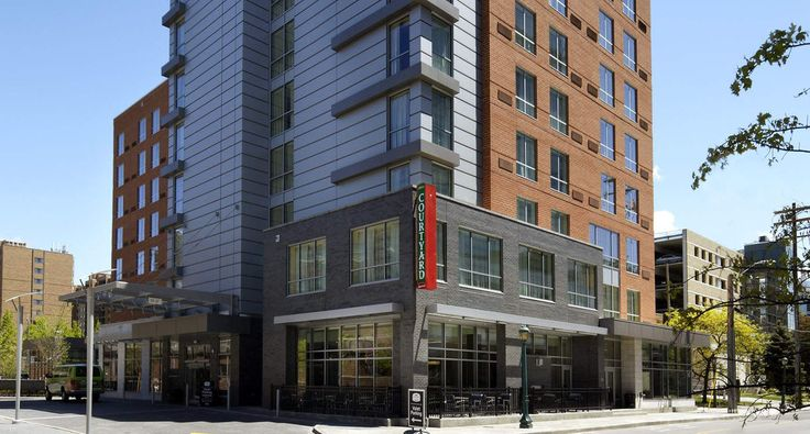 Stay at one of the best Cleveland hotels, the Courtyard by Marriott-Cleveland University Circle. The new Courtyard Cleveland University Circle is located in a culturally enriched area near Cleveland University Hospital.