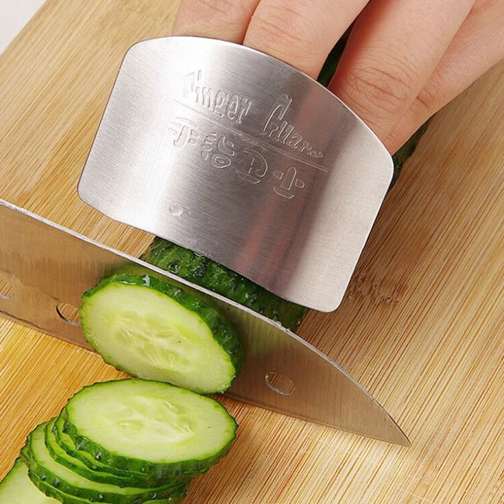 Kitchen Must Have! Stainless Steel Finger Protector Guard Safe Slice Kitchen Accessories