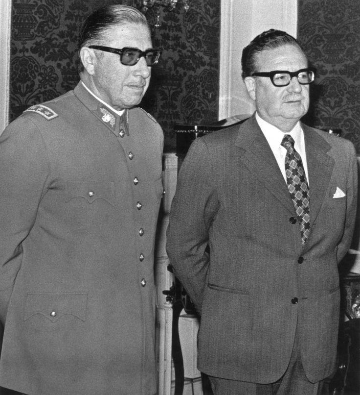 Presidente Allende junto al traidor a la contitucion y al pueblo de chile